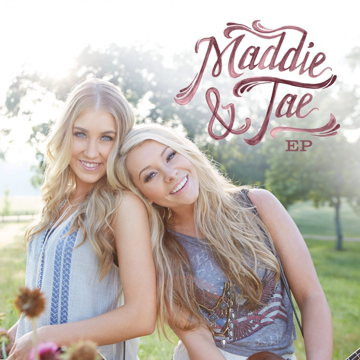 Maddie & Tae define A Girl In a Country Song | Pack News