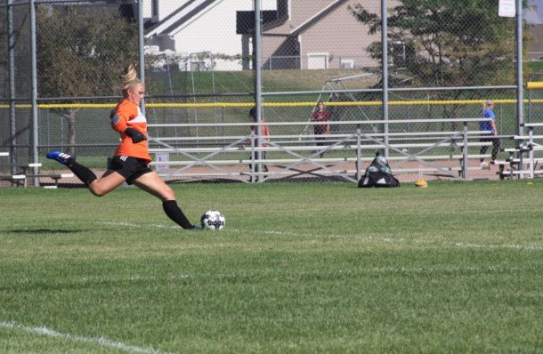 Soccer loses to Syracuse in final minutes