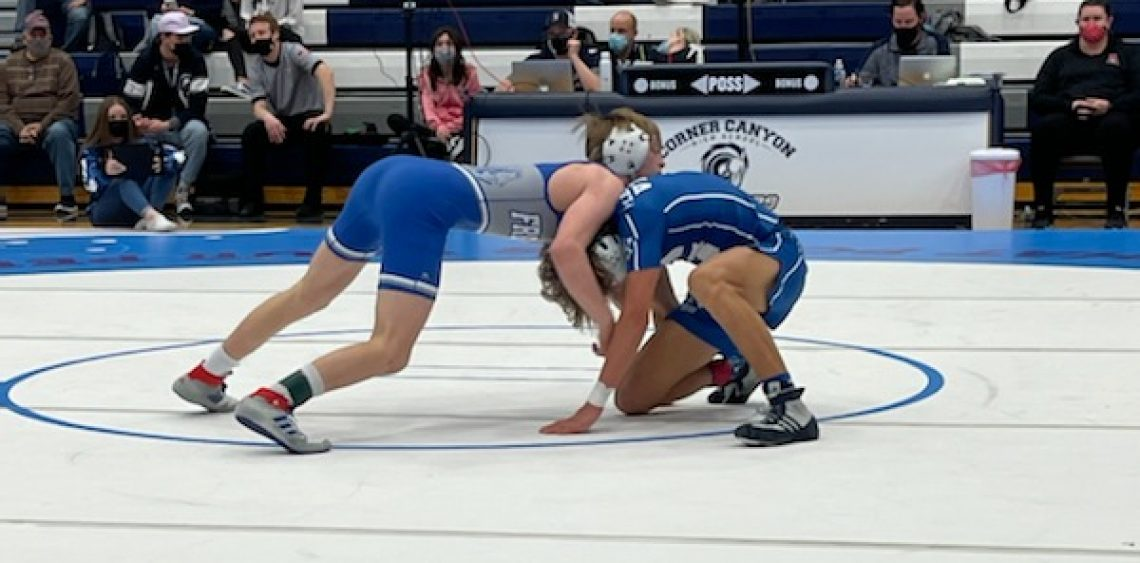 Boys' Wrestling Refuse to Lose